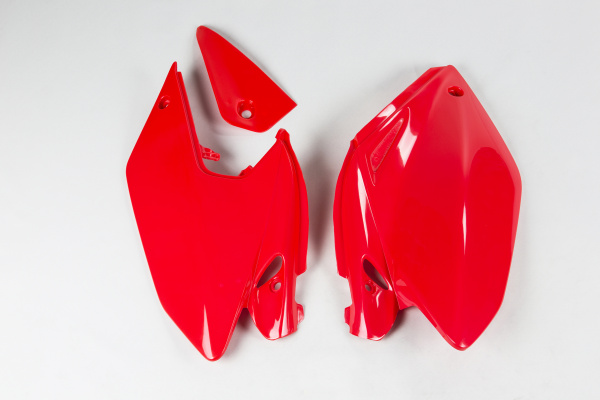 Side panels - red 070 - Honda - REPLICA PLASTICS - HO03647-070 - UFO Plast