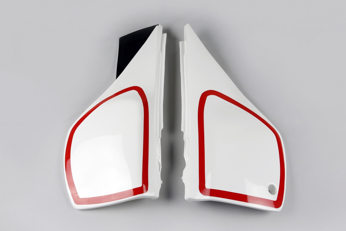 Side panels - white 046 - Yamaha - REPLICA PLASTICS - YA02810-046 - UFO Plast