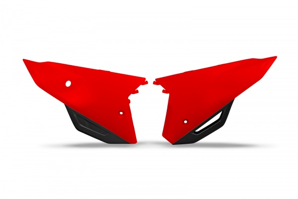 Side panels - red 070 - Honda - REPLICA PLASTICS - HO05606-070 - UFO Plast
